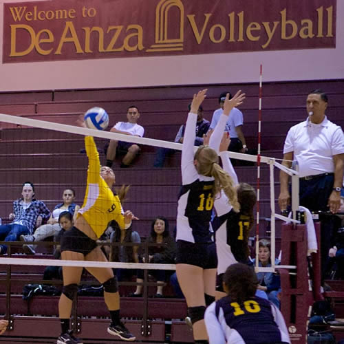 Women's Volleyball: De Anza at Canada